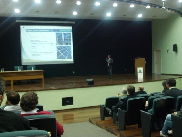 Jorge Luis Alves, gerente do Depto.de Pesquisa e Desenvolvimento e Eficiência Energética da Eletrosul: desafio brasileiro para a produção de energia fotovoltaica é a purificação do silício