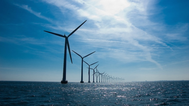 Middelgrunden wind farm near Copenhagen, Denmark, which pledges to become the first carbon neutral capital by 2025. (Photo: andjohann/creative commons)