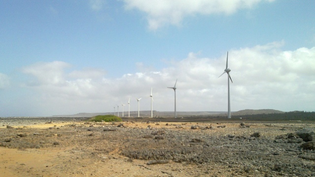 Wind turbines in Bonaire, the Caribbean. (Photo: Donal Boyle/creative commons)