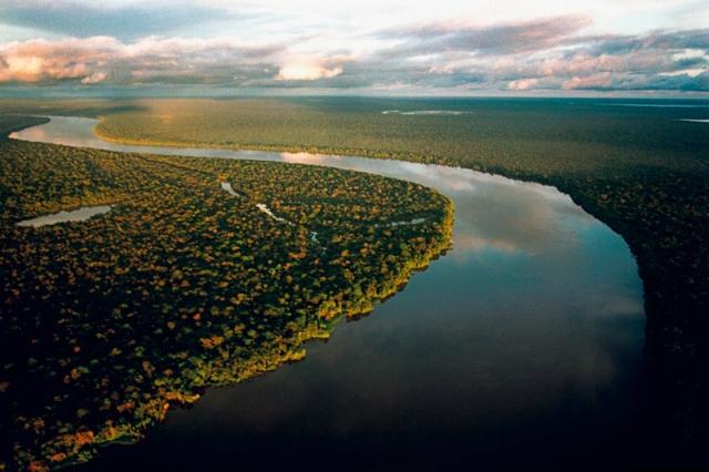 amazonia1press - Foto Paulo Santos-2001 - Amazônia Sob Pressão (via Agência Brasil)