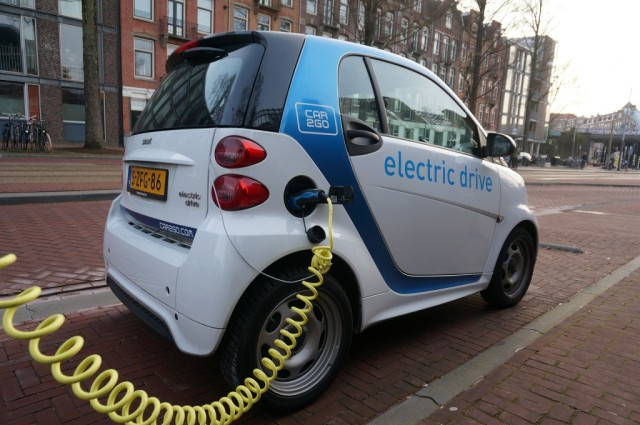 veiculos-eletricos-e-energia-solar-sao-game-changers-que-a-industria-de-combustiveis-fosseis-sempre-subestima